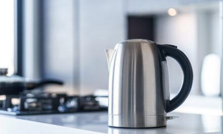 Czajnik elektryczny – czy powinieneś mieć go w swojej kuchni?