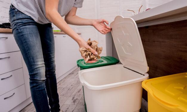 Kosz na śmieci – niezbędny w każdej kuchni